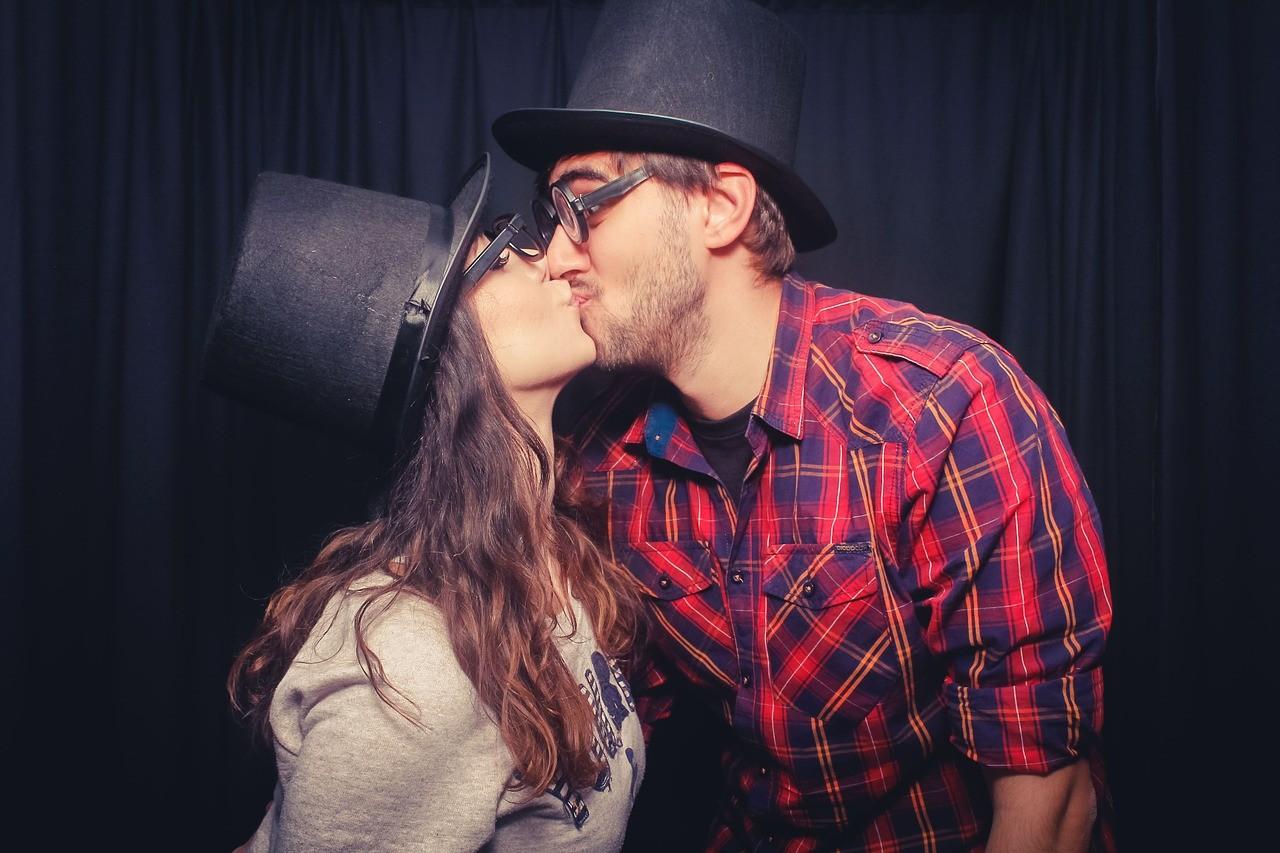kiss 499138 1280